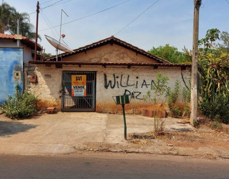 Casa Antiga para Reformar ou Demolir